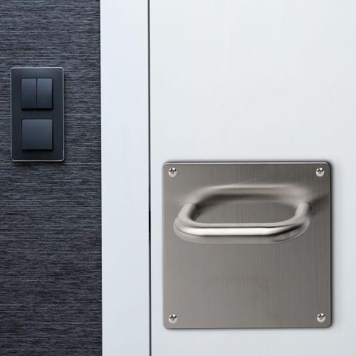 Emuca Juego de manillas con placa de 17x17 cm para puertas de interior, forma en U, Acero inoxidable, Níquel satinado