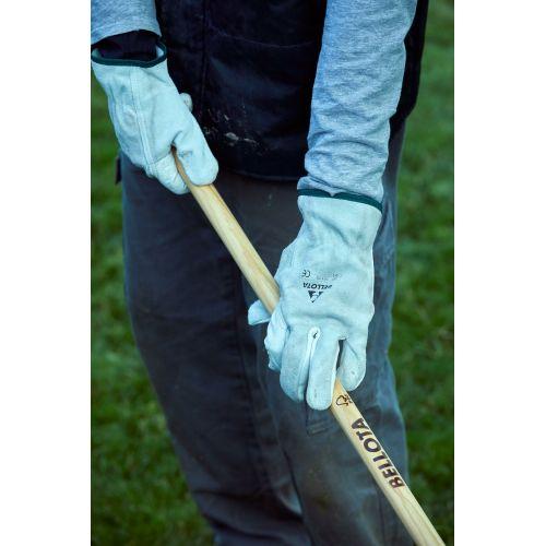 Escoba púas planas para limpieza de césped con mango madera FSC  / 3041CM